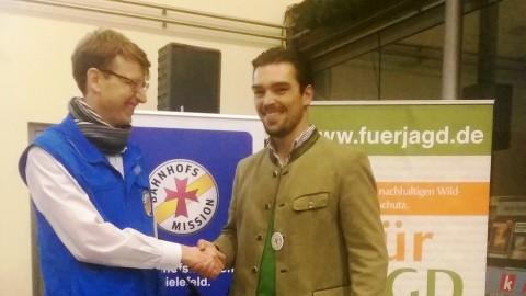 Marcel Bohnenkamp (Bahnhofsmission) und Falk Trompeter (FJD) verabreden bereits weitere gemeinsame Veranstaltungen (2)